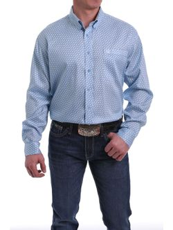 MEN'S LIGHT BLUE AND WHITE GEOMENTRIC PRINT BUTTON DOWN SHIRT